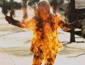 ΖΑΚΥΝΘΟΣ : Αυτοπυρπολήθηκε 81χρονη ΜΑΝΑ για να ζήσουν τα παιδιά της....