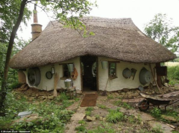 Σπίτι φυσικής δόμησης , κόστους 125 ευρώ ενοικιάζεται ανταλλακτικά με παροχή γάλακτος !